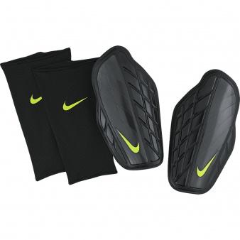 Nagolenniki Nike Protegga Pro SP0315 010